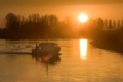 Een wintervaartocht over de Gelderse IJssel met de Tijgerhaai het redactieschip van de Waterkampioen